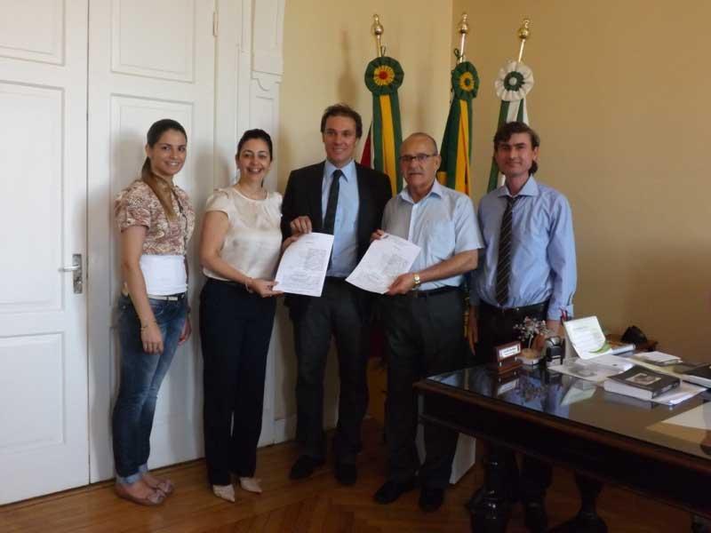Photo of Dom Pedrito – Convênio pretende viabilizar curso de Medicina na região