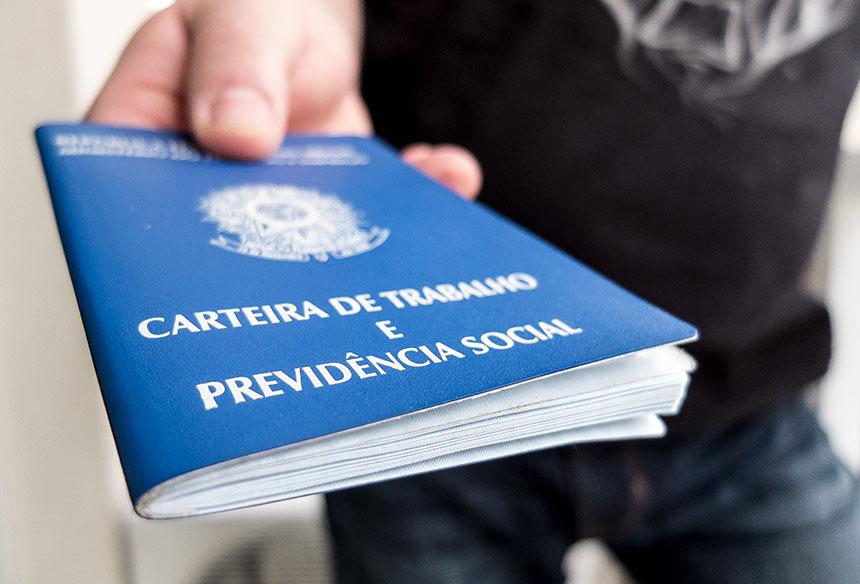 Photo of Decreto do presidente Bolsonaro e ministro Paulo Guedes amplia prazo de redução de jornada e suspensões