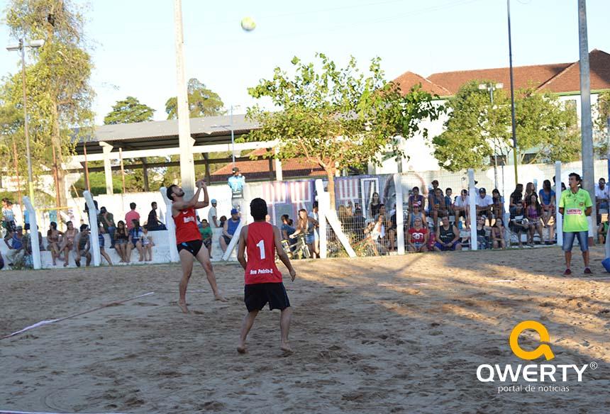 Photo of Jogos do Circuito de Verão Sesc têm início em Dom Pedrito; Qwerty TV irá transmitir a grande final do futebol de areia