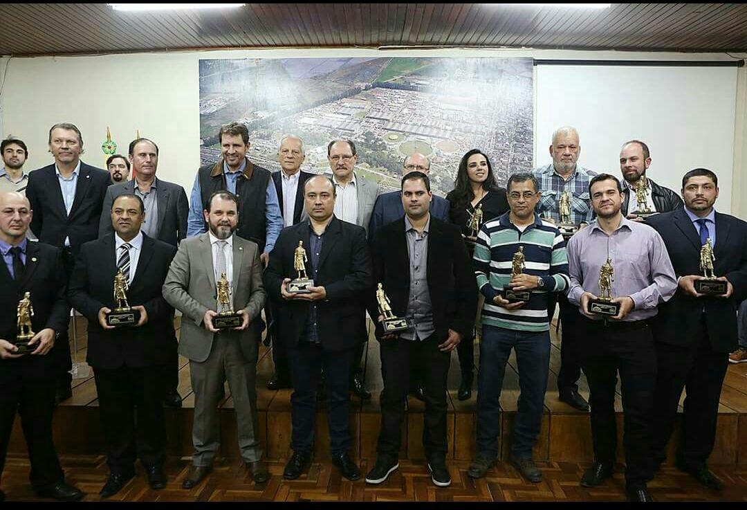 Photo of Força-Tarefa de Combate aos Crimes Rurais e Abigeato é homenageada pelo Governo do Estado do RS