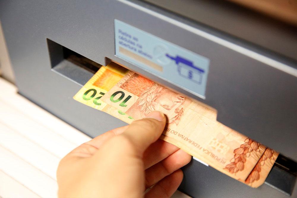 Photo of Governo extingue PIS-Pasep e libera saques de R$ 1.045 do FGTS