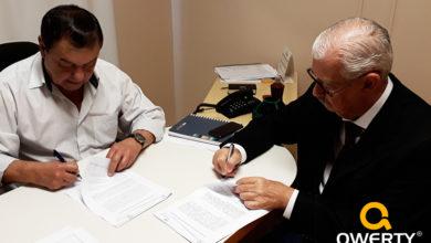 Photo of Quintiliano Machado Vieira assina contrato e efetiva retorno ao corpo clínico da Santa Casa