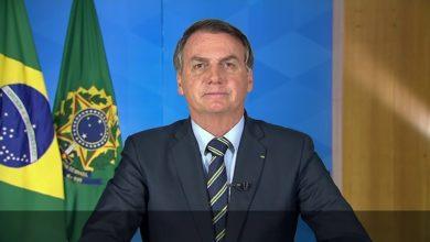 Photo of Bolsonaro sanciona Lei que garante R$ 600 mensais a trabalhadores informais