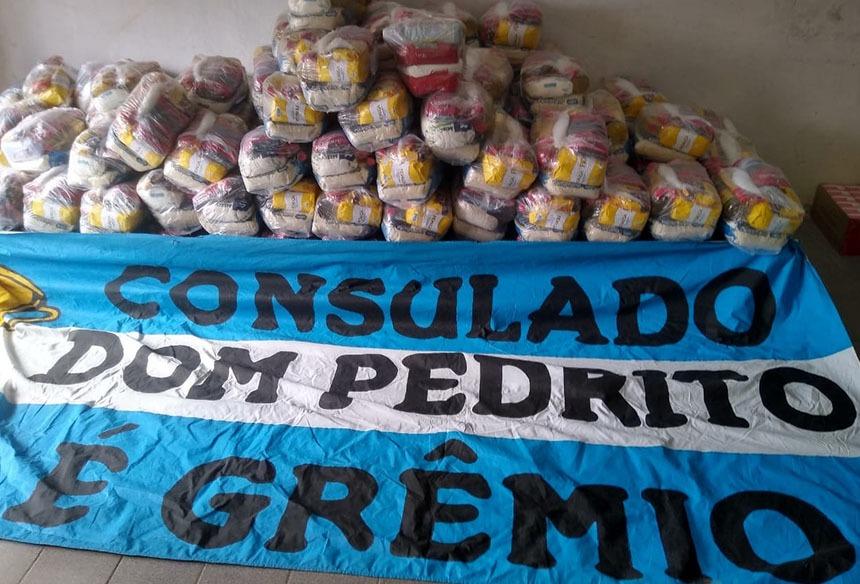 Consulado do Grêmio arrecada uma tonelada de alimentos para doação ...