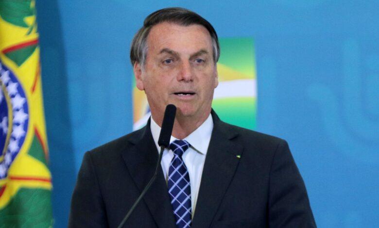 Photo of Bolsonaro confirma mais duas parcelas do auxílio emergencial